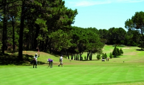 Club del Lago Golf, a classically American course